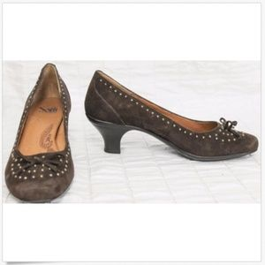 Sofft Brown Suede Heels Sz 7M Gold Studded Bows
